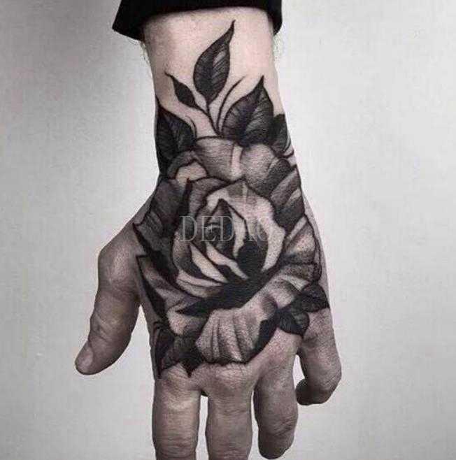Tymczasowe tatuaże fałszywy tatuaż naklejki Cartoon Anime chłopiec Tatto ręka ramię stóp tatuaże do ciała tatuaż wodoodporne tatuaże dla dziewczyny kobiety mężczyźni