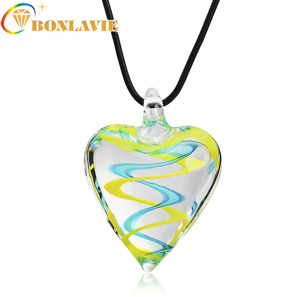 Fashion Cute Heart-shaped Glass Large Pendant Necklace Long Chain Romantic Power Necklace Woman Fashion Band New Jewelry