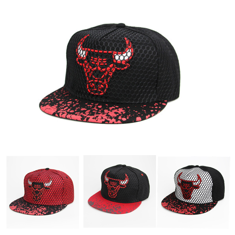Unisex Tourism Snapback Cap Bull Embroidery Mens Flat Brim Baseball Cap Fashion Hip Hop Hats Basketball Cap Outdoor Sun Hat