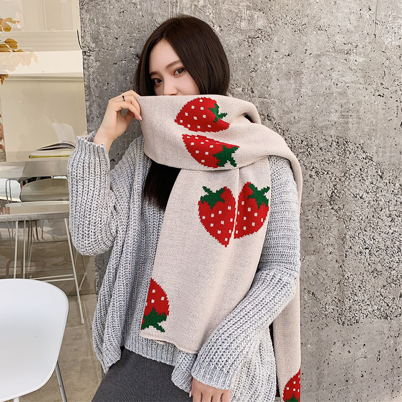 Korean Autumn And Winter New Arrival Scarf Men And Women Couple Long Big Soft Outdoor Scarf Warm Strawberry Print Outdoor Shawl