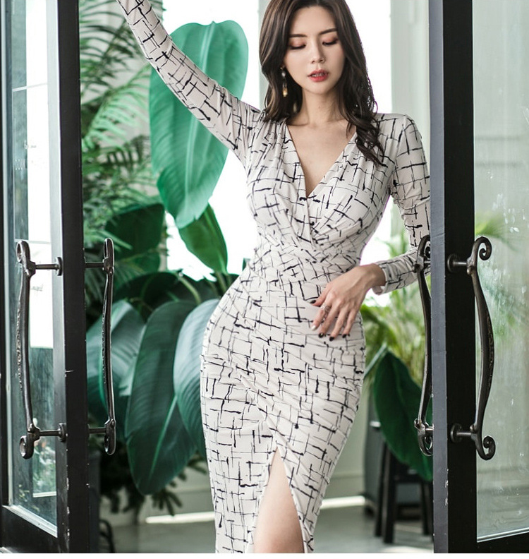 2019 New Style Debutante Fashion Ol Young Sexy V neck Long Sleeve Slim Fit Slit Base Floral Printed Dress - 3