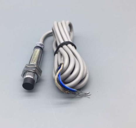 5 шт. M10 Индуктивный сенсор DC 6-36 в 3 провода PNP NC 300mA расстояние обнаружения 2 мм LJ10A3-2-Z/AY