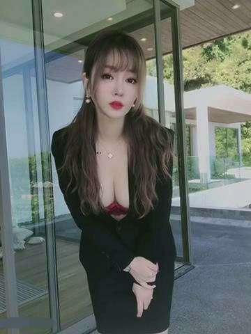 秀人嫩模王雨纯最新收费视频合集 [24V+770MB]