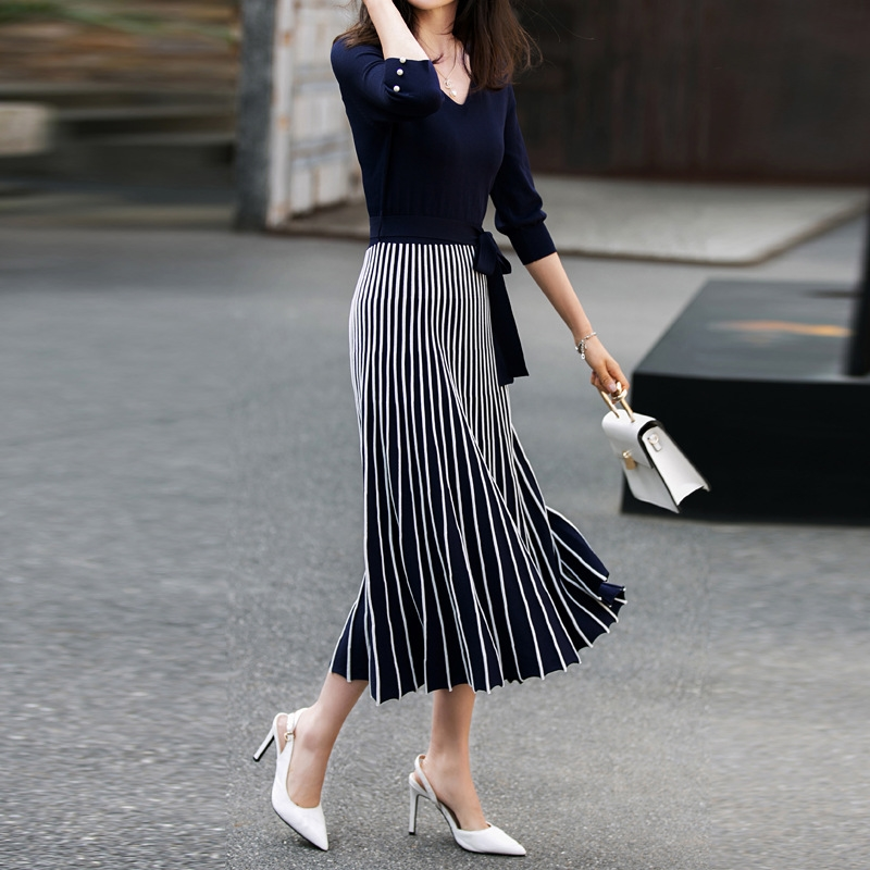 Fashion Pleated Knitted Dress 2020 Spring New 3/4 Sleeve V Neck Striped Contrast Color Bow Tie Belt Long Sweater Dress Vestidos