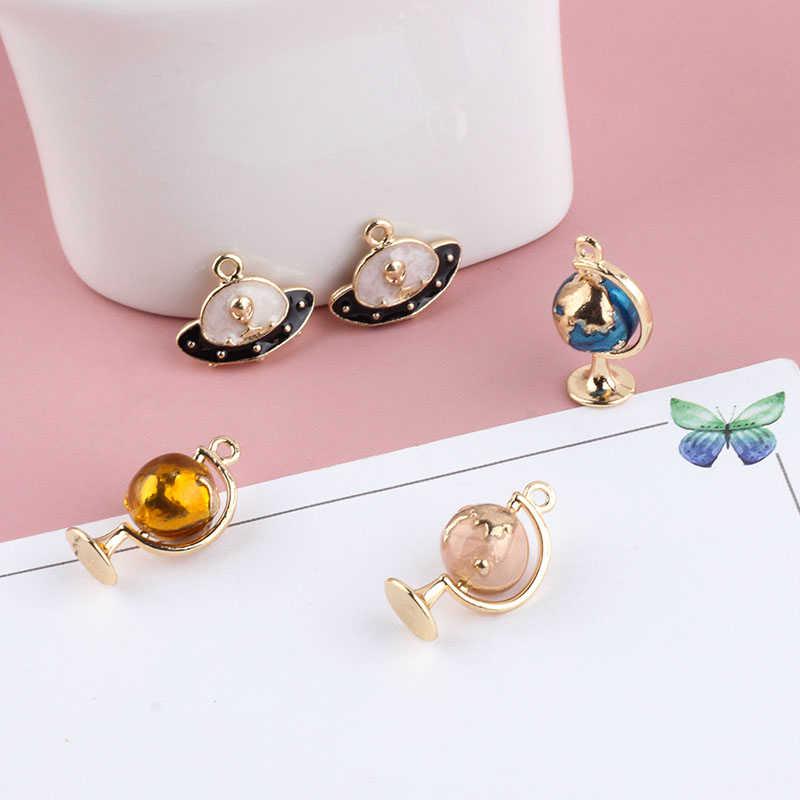 2 pçs novos encantos criativos liga tridimensional globo nave espacial pingente na moda brincos para as mulheres diy jóias acessórios