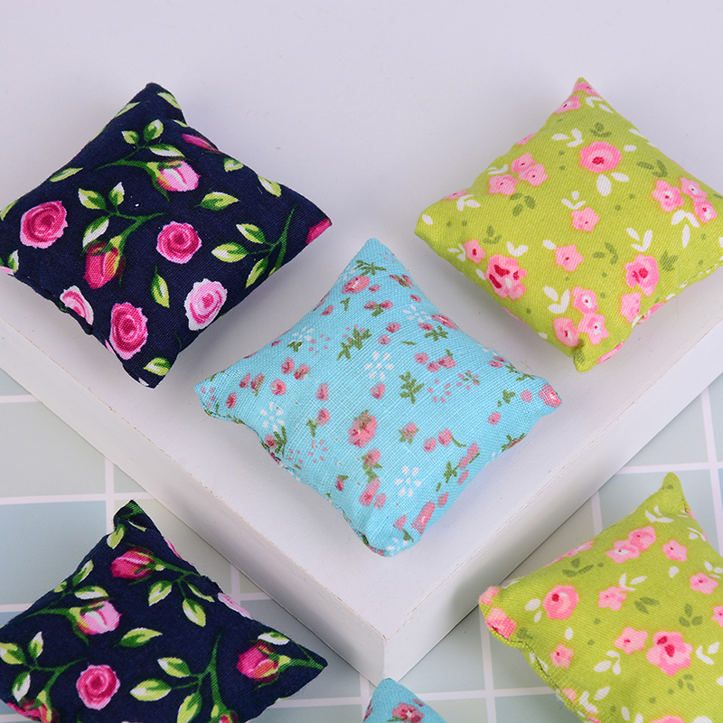 2Pcs 1/12 Dollhouse Miniature Flower Pillow Cushions For Sofa Couch Bed Hot Sale