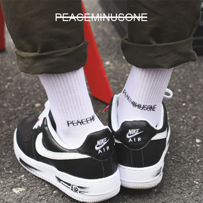 2020 New Funny Socks Peaceminusone Tide Brand GD Same Tube Socks Black And White Street Men And Women Socks