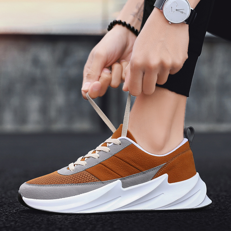 2020 Fashion Shark Bottom Light Men Running Shoes Retro Lace-Up Male Chunky Dad Sneakers Thick Sole Skretch Flat Walking Shoes