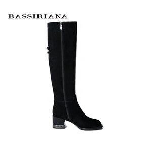 Image 2 - BASSIRIANA 2019 nowe zimowe buty damskie kozaki zamszowe, gumowe antypoślizgowe podeszwy na niskim obcasie.