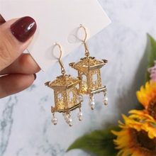 All copper fine carving pavilion three-dimensional pearl hand earrings temperament creative ear clip ornaments