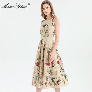 Image 1 - MoaaYina moda tasarımcısı elbise ilkbahar yaz kadın elbise kolsuz çiçekler nakış zarif Midi elbiseler