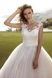 Image 3 - Roze Baljurk Tulle Wedding Jurken O Hals Mouwloos Floor Lengte Kant Applicaties Button Bruidsjurken Vestido De Noiva Custom