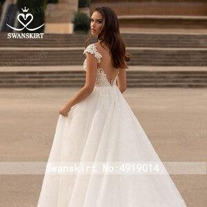 Image 3 - Swanskirt moda kristal düğün elbisesi 2020 yeni sevgiliye aplikler A Line İllüzyon prenses gelin kıyafeti Vestido de novia GI51