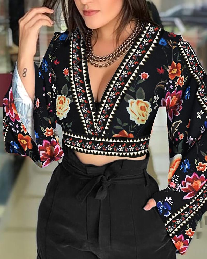 Sexy V-Neck Open Back Bell Sleeve Floral Printed Casual Blouse Women Long Sleeve Short Blouse Tops Streetwear