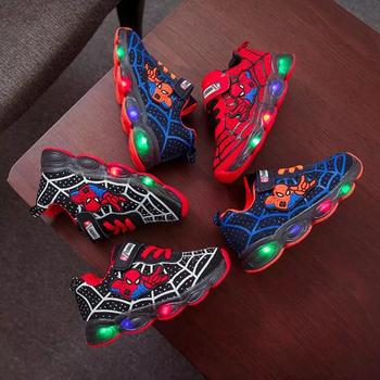 Spiderman LED Light dziecięce buty chłopięce i dziewczęce lekkie dziecięce lekkie dziecięce sportowe buty siatkowe sportowe chłopięce i dziewczęce LED lekkie buty tanie i dobre opinie Disney 7-12m 13-24m 25-36m 4-6y 7-12y CN (pochodzenie) CZTERY PORY ROKU Chłopcy RUBBER COTTON Dobrze pasuje do rozmiaru wybierz swój normalny rozmiar