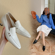 2020 spring and autumn new simple leather square head with shallow mouth single shoes fashion wild fine heel women's shoes Z966 high heels 2019 new spring and autumn korean version of the pointed fine stiletto wild shallow mouth single shoes women