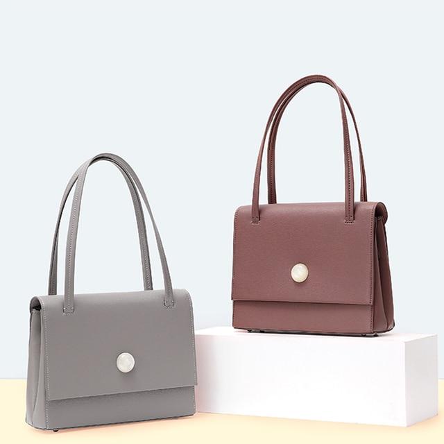 حقائب يد وحقائب يد عصرية للنساء لعام 2020 ، حقائب كروس للنساء ، حقائب بتصميم ، حقائب للنساء بعلامة تجارية مشهورة