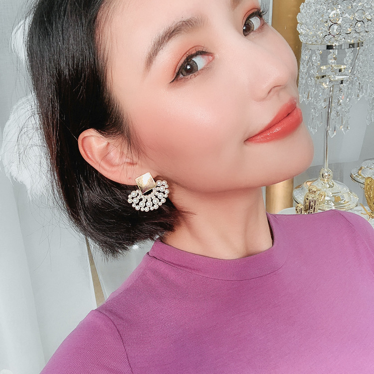 2019-New-Arrival-Simulated-pearl-Bohemia-Round-Women-Dangle-Earrings-Simple-Fashion-Trend-Female-Korean-Jewelry (1)