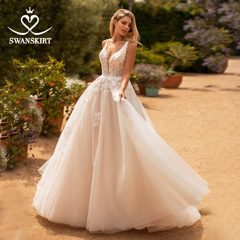 Fairy Flowers Wedding Dress 2020 Swanskirt V-neck Appliques A-Line Tulle Princess Court Train Bride Gown Vestido De Noiva MY03