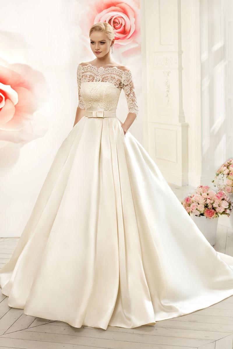 Lace Wedding Dress Women Elegant Ivory Vintage Boat Neck Appliques Court Train Button Floor-Length Bridal Gown Custom Made
