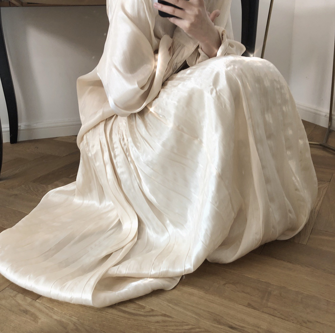 2019 Women Summer Long Skirt Chic Brand Women Satin Pleated Skirts High Waist Women Wrinkled Skirts Faldas Saias Jupe