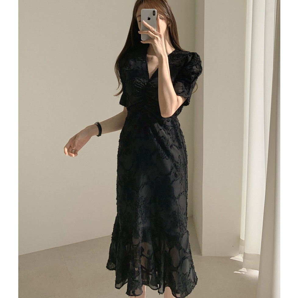 H9940b62a226b44f49c12d8f4d9d857abo - Spring / Autumn V-Neck Short Sleeves Waist-Controlled Creased Midi Dress
