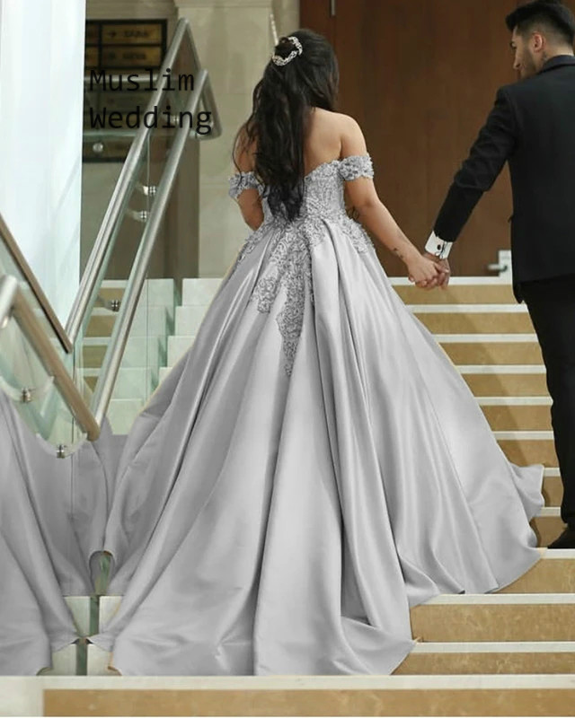 Elegant Silver Gold Wedding Dresses Off The Shoulder Lace Country Wedding Gowns With Sweep Train Vintage Satin Bridal Dress 2020