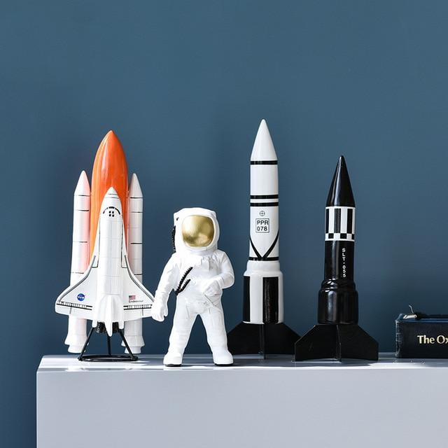 Simple Modern Resin Astronaut Space Model Study Creative Crafts Home Decoration Space Shuttle Missile Model Desktop Decoration 1