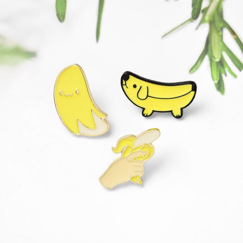 Banane Collection! Mignon banane chiot chien Animal émail broche Badge pistolet broche pour femmes hommes vêtements épinglettes dessin animé bijoux
