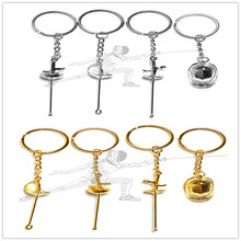 12 Pcs החדש Creative ספורט keyring גידור keychain חרב keyring גידור מועדון מחזיקי מפתחות חרב סייף keychain קסדת keychain