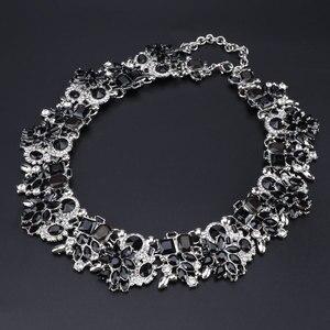Image 3 - Luksusowy styl dubajski ślubne zestawy biżuterii kryształowe oświadczenie ślubny srebrny platerowany naszyjnik kolczyki zestaw prezent na boże narodzenie dla kobiet