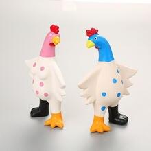 Жевательная игрушка для щенков цветная кричащая резиновая курица