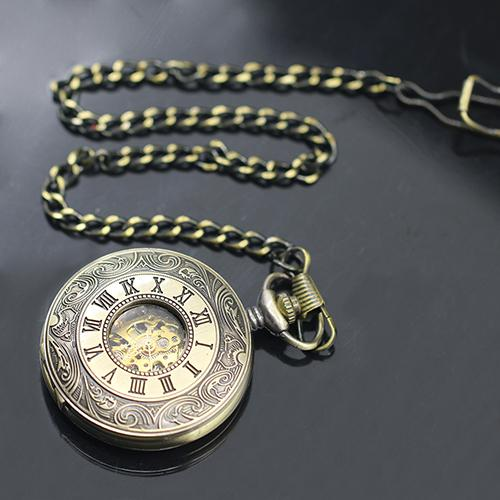 Unisex Vintage Hollow Carved Roman Numerals Case Mechanical Pockets Watch Gift Roman Numerals Quartz Necklace Pockets