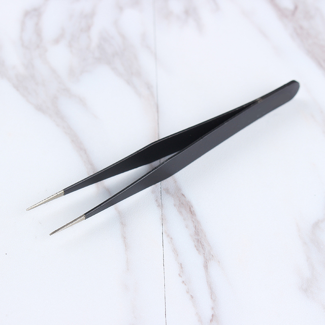 1Pc Black Color 3D Nail Rhinestone Nippers False Eyelash Curved Tip Tweezer Curved Eye Nail Art Makeup Cosmetic Nail Art Tools 2