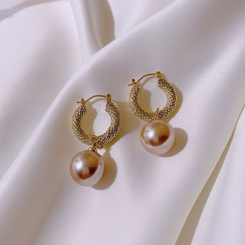 Women Earrings Jewelry Geometric Fine-Pearl Metal Fashion Dominated Temperament Contracted