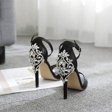 2020 fábrica diretamente comércio exterior estilo quente após o pacote de luxo grande água diamante 11 cm bombas salto alto banquete sandálias