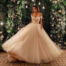 Платье свадебное плиссированное трапециевидное из тюля с вырезом