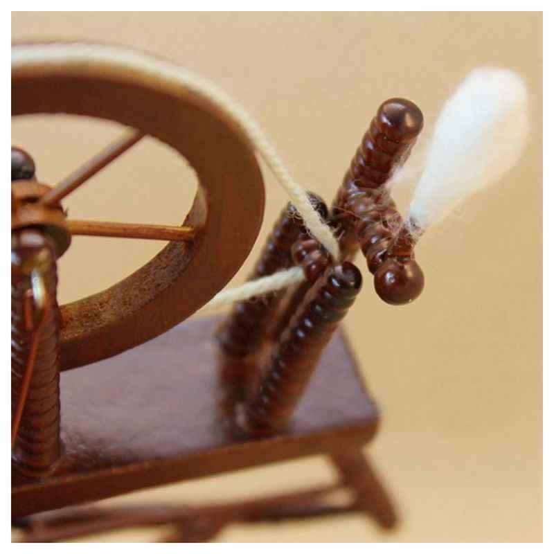 Scala 1:12 Casa di Bambola in Miniatura a Mano Trattura Macchina Ruota di Filatura di Legno Marrone