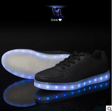 2019 New Couple Luminous Shoes Trend Casual Men Women Shoes Charging Led Colorful Luminous Couple Shoes Karachi