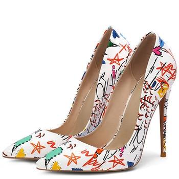 YECHNE Stiletto vrouwen Doodling Hoge Hakken Schoenen Witte Bruiloft Pompen Mode Sexy Party Puntschoen Pompen Plus Size 43