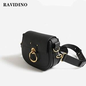 Image 2 - Sac de selle en cuir fille 2019 nouveau rétro large bandoulière sac bandoulière anneau porcelet printemps et été sac étoile avec le même s