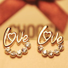 2019Fashion Love Heart Earrings For Women Zirconia Crystal Stones Stud Earrings Girls Female Jewelry Gift Boucle D'oreille WD453(China)