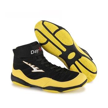Mężczyźni kobiety oddychające buty zapaśnicze wysokie góry buty bokserskie walki sztuki walki kompleksowe buty treningowe 36-46 Plus rozmiar tanie i dobre opinie Średnie (b m) RUBBER Profesjonalne Dla dorosłych Spring2019 Pasuje prawda na wymiar weź swój normalny rozmiar Lace-up