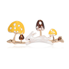 Fashion exquisite cute plant brooch Joker alloy drops of oil rabbit mushroom corsage spot factory outlet