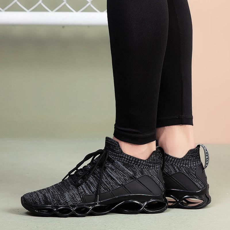 Breathable sneakers 135