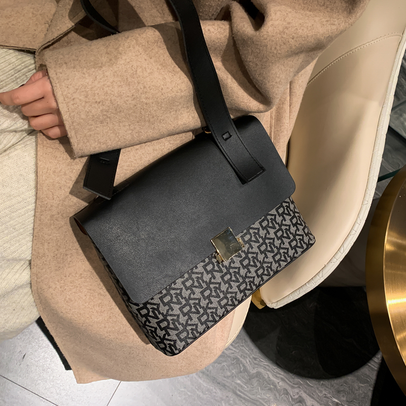 Europe United States Women Bag 2020 New Fashion Korean Version Versatile Messenger Bag Ins Single Shoulder Fashion Small Square
