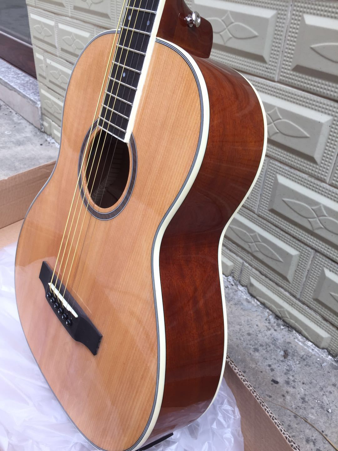 <font><b>Guitar</b></font> <font><b>36</b></font>-Inch Light Spruce Veneer Folk Music Wood <font><b>Guitar</b></font> Musical Instrument Small <font><b>Guitar</b></font> Wholesale image