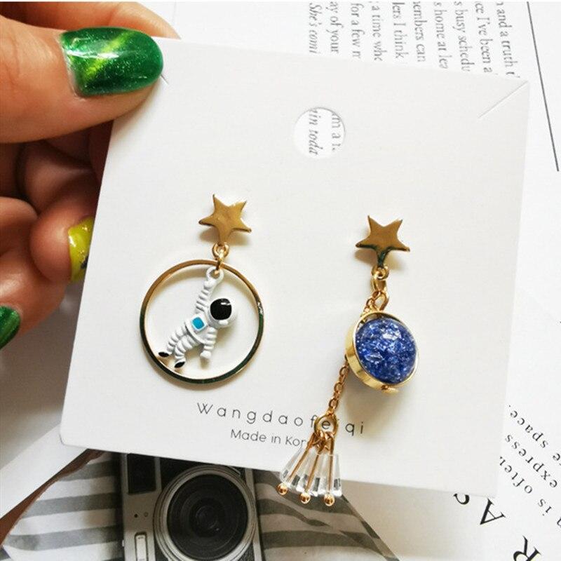 Nieuwe Koreaanse Oorbellen Asymmetrische Pentagram Oorbellen Ruimte Astronauten Aarde Kleine Oorbellen Voor Vrouwen Partij Sieraden - 4