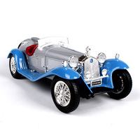Burago 1/18 Scale Simulation Alloy Master Car Model Toy For Alfa Romeo 8C Diecast Classic Car Model Decoration For man Kids gift