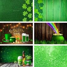 Avezano – arrière plan de photographie Happy st Patrick, chapeau vert, trèfle or, pièce de monnaie, bière, pour Studio Photo